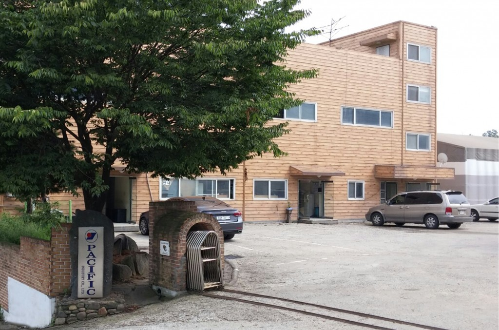 T-die extrusion factory